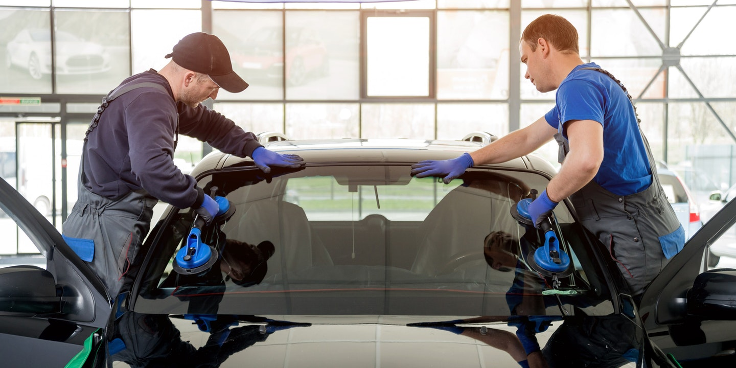 Standard Responsibilities of Windshield Replacement