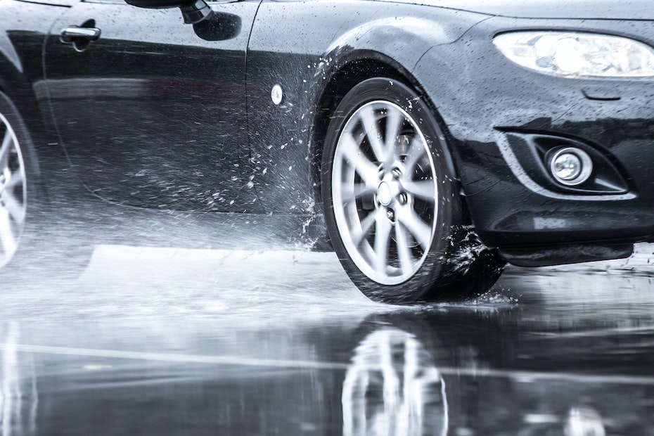 Hydroplaning - What is it and How Can You Avoid It? - Aceable